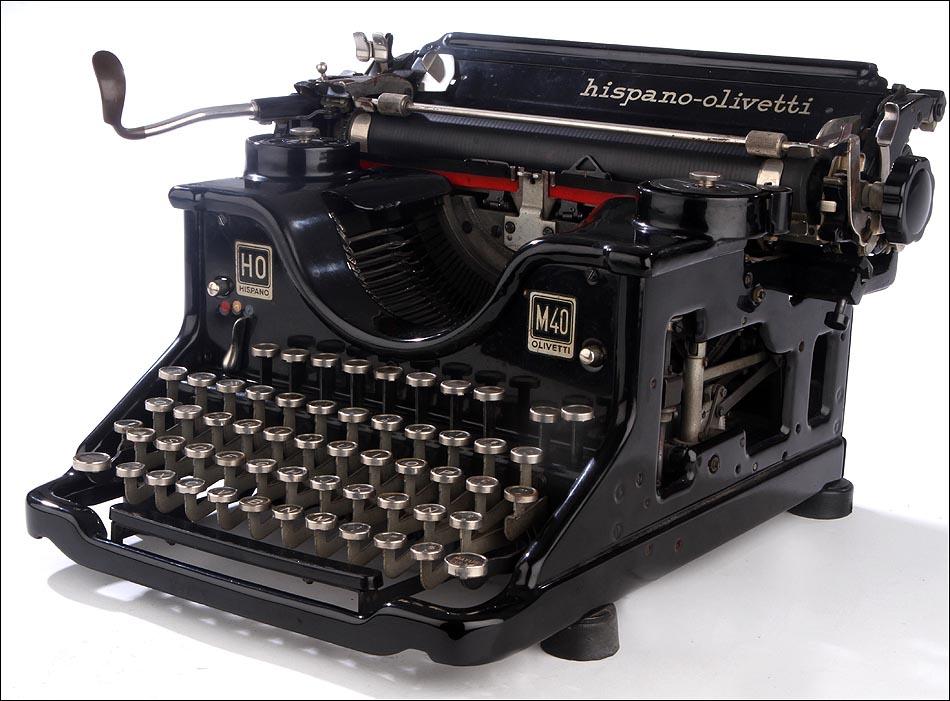 M quina de escribir hispano olivetti m40 en muy buen for Antiguedades de oficina